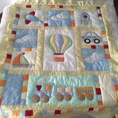 Quilt baby Baby Patchwork Quilt, Cot Quilt, Baby Girl Quilts, Quilt Baby, Girls Quilts, Patchwork Quilt Patterns, Beginner Quilt Patterns, Baby Applique, Baby Kind