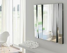 This modern mirror design can create amazing room ideas, specially living room ideas. Room Decor Ideas believes that this kind of design mirror can give style to almost every living room ideas and improve the glamour of your living room. Decor, Interior Design, Mirror Design Wall, Home, Decor Interior Design, Mirror Designs, Luxury Mirror, Feng Shui Living Room, Living Room Designs