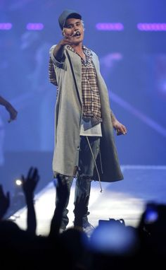 Want to see Justin Bieber on his Purpose Tour? Join the Justin Bieber Fan Group and Waiting Lists to attend the concert on May 16, 2016.