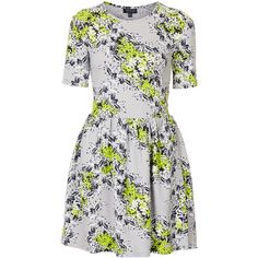 TOPSHOP Textured Floral Flippy Dress (16 AUD) ❤ liked on Polyvore featuring dresses, vestidos, topshop, grey, grey dress, fitted dresses, topshop dresses, grey cotton dress and gray dress