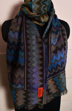 Sale of Branded Pashminas - Missoni, BURBERRY, COACH Scarves - Cashmere    Pure Silk - On sale off - Scarves, Mufflers. d273c511f34
