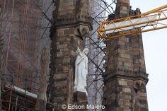 Sagrada Família: As obras não param, e até Santa Clara precisa compartilhar o espaço com os guindastes