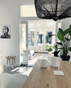 •💚SOCCER TIME 💚• Langs de lijn dan - onze Julian zo aanmoedigen met voetbal. Superleuk vind ik 't en nog topweertje erbij ook!💚… House Styles, House Rooms, Ideal Home, Home, Interior Design Living Room, Living Room Spaces, Home Deco, Bedroom Design, Home Decor
