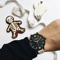 Cute Halloween treats from @oliviaburtonwatches #loveargento #oliviaburton . . . . #stylemyob #wristshot #pumpkin #halloween #treat #trickortreat #black #autumn #watch #watches #style #fashion #fblogger #cute #spooky