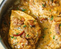 Pechugas de pollo con tocino en salsa de mostaza
