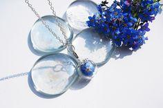 Blütenschmuck - Echte Blüten JuniHimmel Vergissmeinnicht - ein Designerstück von flowerring bei DaWanda