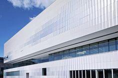 Pajol Sports Centre | Brisac Gonzalez Architects | Photo: Géraldine Andrieu, Hélène Robert | Archinect