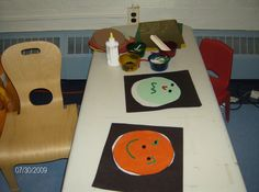 Making Feelings Faces on the light box may help achild with visual impairments to read or understand a peer's facial expressions.Reading another person, by facial expression, tone, or body language, assists children with visual impairmens in being socially successful. *pinned by WonderBaby.org