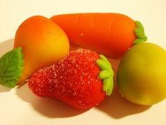 Los deliciosos mazapanes  han inspirado nuestra imaginación  desde niños. ¿Cómo se podían hacer esos dulces tan parecidos  a las frutas ?¿C...
