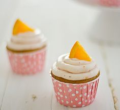 Strawberry Mimosa Cupcakes (can be made with ginger ale or other non-alcoholic sparkling wine that pairs with strawberry and orange flavours)