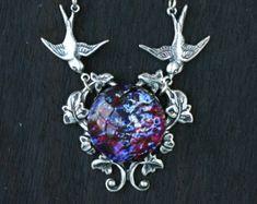 Feueropal Halskette Medaillon Dragons von FashionCrashJewelry
