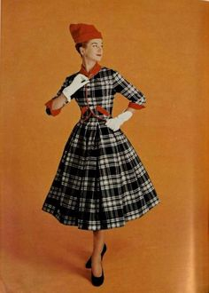 Jacques Heim Outfit - 1956 L'Art Et La Mode Interesting color combination; I generally like the plaid, but I'm not sure about the red. 1950 Style, Vintage Style, 50s Vintage, Vintage Glamour, Vintage Inspired Dresses, Vintage Dresses, Vintage Outfits, Guy Laroche, 1950s Fashion