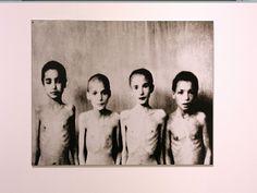 Enfants dans un camp de concentration Polaroid Film, Children