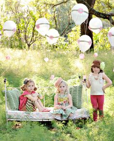 Cute idea to turn balloons into mini hot-air balloons.