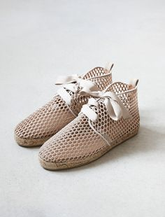 23 meilleures images du tableau . feet .   Loafers   slip ons, Shoe ... 32a4b494acf