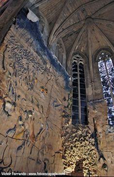 Cathedral of Palma de Mallorca - Inside - Miquel Barceló - Ceramic sculptures. Conquistador, Gaudi, Miquel Barcelo, Tally Marks, Land Art, Installation Art, Mount Rushmore, Modern Art, Places To Go