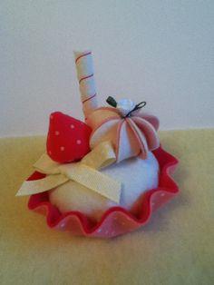 NEW felt food  pink dotty strawberry  felt cake by nicolaluke, $8.00