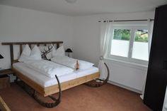 Gletschersonne Ferienchalets | Gletschersonne Salzburg, Us Travel, Europe, Bed, Furniture, Home Decor, Decoration Home, Stream Bed, Room Decor