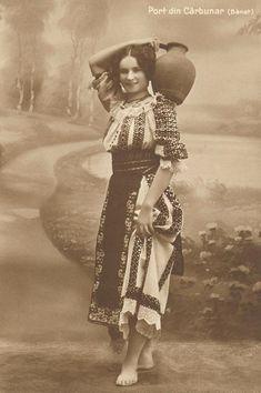 Romanian traditional costume from Banat - sooo beautiful Traditional Dresses, Traditional Art, Romania People, Folk Costume, Costumes, Romanian Girls, Romanian Food, Bucharest Romania, Thinking Day