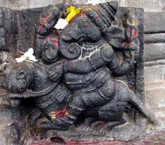 Talakad Vaideyswara Temple: Vijaya Ganapathi. An extremely rare depiction of Ganesh riding his mouse.