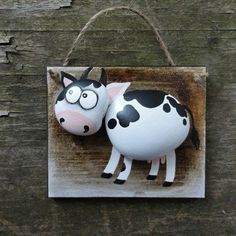 Cow painted rocks on a frame Stone Crafts, Rock Crafts, Diy And Crafts, Crafts For Kids, Arts And Crafts, Pebble Painting, Pebble Art, Stone Painting, Rock Painting