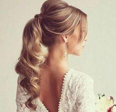 peinado de cola larga ondulada