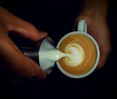 A R O M A  D I  C A F F É   Cuidamos cada detalle para que tu visita a #AromaDiCaffé sea una experiencia inolvidable. Comparte disfruta y deléitate con el mejor café  en: #AromaDiCaffé  #MomentosAroma #SaboresAroma #ExperienciaAroma #Caracas #MejoresMomentos #Amistad #Compartir #Café #CaféVenezolano #Coffee #Capuccino #LatteArt #CoffeePic #CoffeeLovers #CoffeeCake #CoffeeTime #CoffeeBreak #CoffeeAddicts #CoffeeHeart #Cenital #InstaPic #InstaMoments Visítanos en el C.C. Metrocenter pasaje…