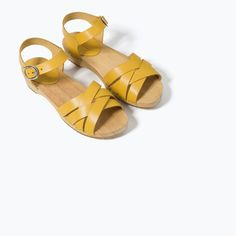 strappy leather clog for girls Clog Sandals, Leather Clogs, Zara United States, Girls 4, Girls Shoes, Soca, Brides, Accessories, Daughters