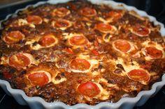 Ruokasurffausta: Salami-feta-tomaattipiirakka