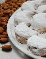 Kourabiedes of New Karvali (from my book Kavala's flavors) Greek Sweets, Greek Desserts, No Cook Desserts, Greek Recipes, Wine Recipes, Dessert Recipes, Cooking Recipes, Xmas Food, Christmas Sweets