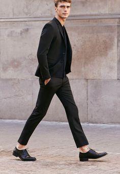 minimalism in style, layered black x black x black // menswear style + fashion