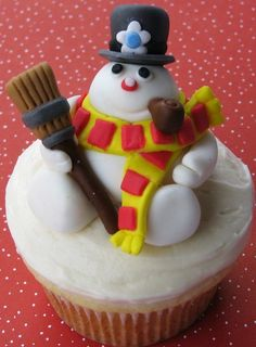 """""""Frost the Snowman"""" 3D Cupcake 