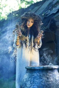 It's just Magic / E' solo Magia Wiccan, Magick, Witchcraft, Dark Fantasy, Season Of The Witch, Fantasy Photography, Fairy Tale Photography, Beltane, Gods And Goddesses