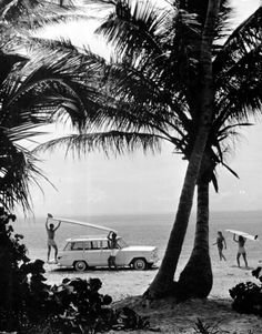 Vintage Surf Photography in Florida Black and White vintage photo Surf Vintage, Retro Surf, Photo Vintage, Vintage Florida, Old Florida, Vintage Beach Photos, Floride Vintage, Treasure Island Beach, Black And White Beach