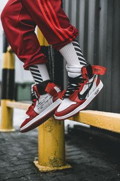 cb3cb4ef2f54 Off-White x Air Jordan 1 Jordan 1