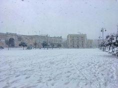 #piazza#giovinazzo#puglia#neve#mantobianco#spettacolo#gennaio2017#candore#bellezza#fiocchi#felicità