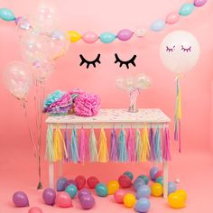 Are you interested in our unicorn party decoration? With our wall sticker you need look no further. Bubblegum Balloons, Mini Balloons, Confetti Balloons, Balloon Garland, Decoration Buffet, Party Decoration, Birthday Decorations, Birthday Party Themes, Unicorn Balloon
