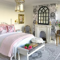 I have some arched mirrors now in store just like this one in #ChatsfordManor Swipe to see some more styled pics!