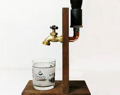 Fait à la main en bois le distributeur whisky par SteamVintageWorks