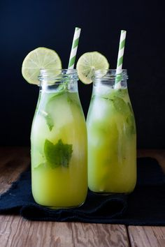 Freshly squeezed juice to calm your body and liven your tastebuds! An anti-inflammatory juice to help diminish that over indulged bloated balloon feeling! Detox Diet Drinks, Detox Juice Recipes, Healthy Drinks, Detox Juices, Cleanse Recipes, Diet Detox, Healthy Detox, Yummy Drinks, Drink Recipes