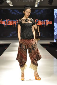 Stephanus Hamy, love this tenun pants