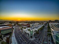 """artbyart_la: """"Commercial property shoot in Beverly Hills for CBRE. #losangelesaerial #commercialrealestate #commercialproperty #beverlyhills #canondr #rodeodr #dji #djiglobal #djiphantom3 #drone #drones #realestate #artbyartla #losangelesrealestatephotos #ishootproperties #hireme #luxurycommercialproperty #luxury"""""""