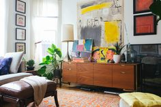 http://artsmerized.com/wp-content/uploads/2015/09/mid-century-modern-eclectic-living-room-appealing-mid-century-modern-home-renovations-eclectic-living-room-picture.jpg