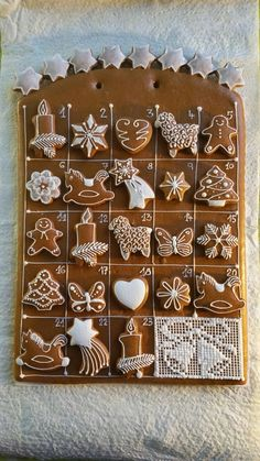 Cute Christmas Cookies, Christmas Gingerbread House, Christmas Sweets, Christmas Cooking, Noel Christmas, Gingerbread Cookies, Christmas Crafts, Xmas Food, Cookies Et Biscuits