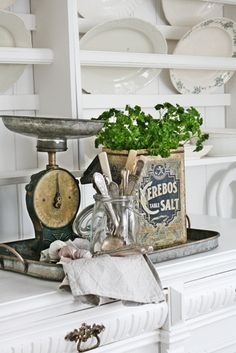The Cottage Market: Take 5: Some Easy Cottage Face Lifts for your Kitchen