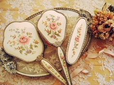 Needlepoint Ladies brush and mirror set--beautiful!