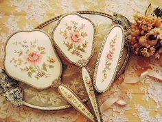 Needlepoint Ladies brush and mirror set--beautiful!