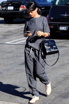 10 Best Dressed: Week of September 1, 2014 – Vogue. What a lovely casual look, very suitable for older ladies who wish to be on trend.