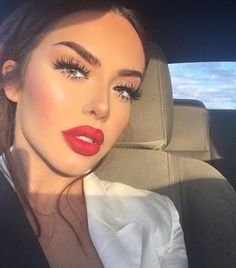 // Pinterest naomiokayyy  Makeup, Beauty, faces, lips, eyes, eyeshadow, hair, colour, ombre, body, body goals, fitness, workout, ink, tattoos