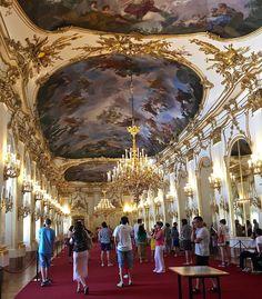 Apen matkat: Wien osa 6, valtava Schönbrunnin palatsi Carousel, Fair Grounds, Travel, Viajes, Destinations, Traveling, Carousels, Trips